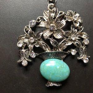 Jewelry - Vintage Flower vase necklace